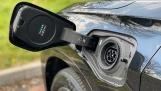 2021 BMW 25e 10kWh M Sport Auto xDrive 5-door (Black) - Image: 25