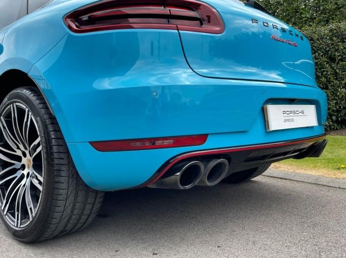 2018 Porsche Turbo Performance PDK 4WD 5-door (Blue) - Image: 25