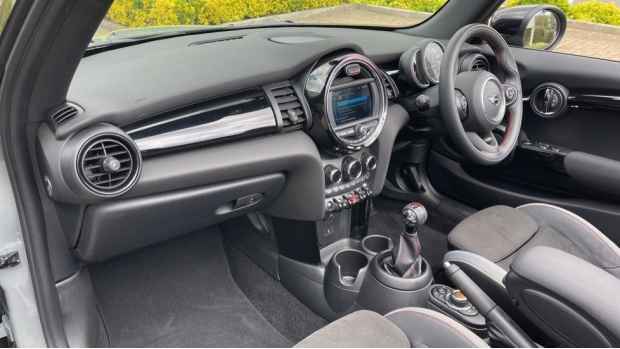 2020 MINI Cooper Sport (Grey) - Image: 7