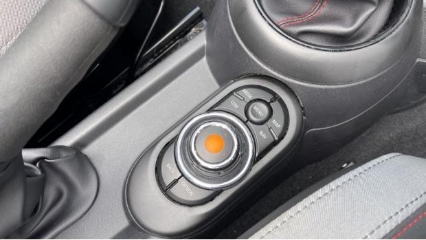 2020 MINI Cooper Sport (Grey) - Image: 19