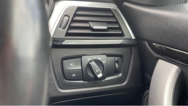 2017 BMW 430d M Sport Convertible (White) - Image: 25