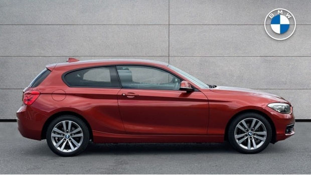 2017 BMW 118d Sport 3-door (Orange) - Image: 3