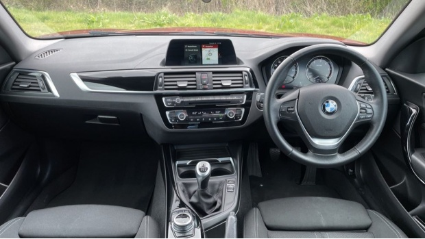 2017 BMW 118d Sport 3-door (Orange) - Image: 4