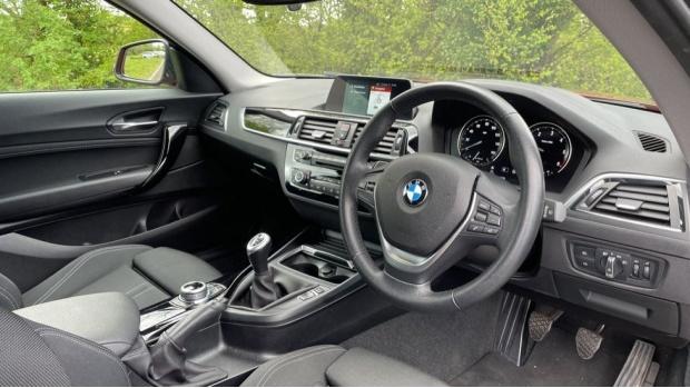 2017 BMW 118d Sport 3-door (Orange) - Image: 6