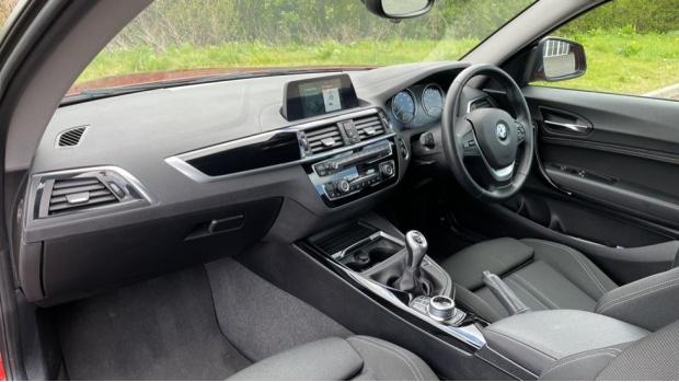 2017 BMW 118d Sport 3-door (Orange) - Image: 7