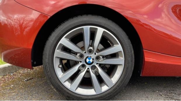 2017 BMW 118d Sport 3-door (Orange) - Image: 14