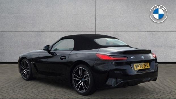 2021 BMW SDrive20i M Sport (Black) - Image: 2