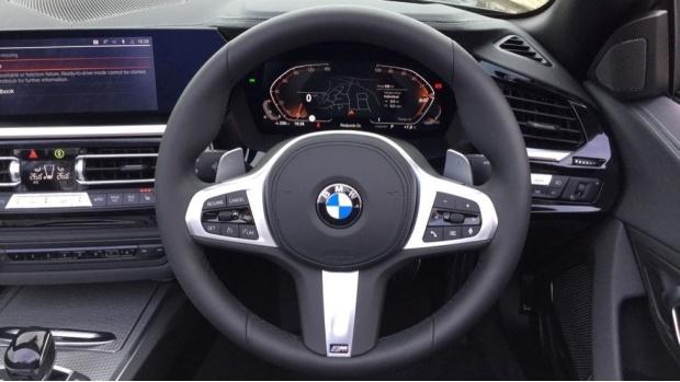 2021 BMW SDrive20i M Sport (Black) - Image: 5