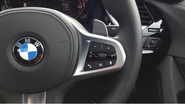 2021 BMW SDrive20i M Sport (Black) - Image: 18