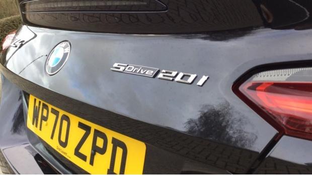 2021 BMW SDrive20i M Sport (Black) - Image: 21