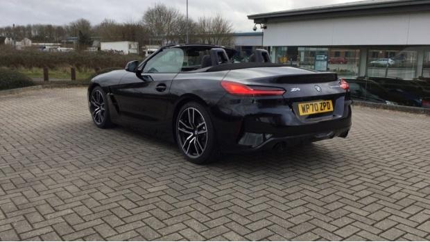 2021 BMW SDrive20i M Sport (Black) - Image: 30