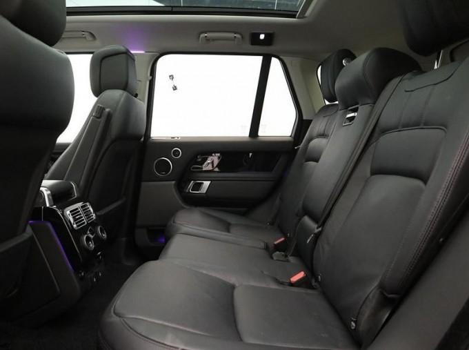 2019 Land Rover SD V6 Vogue SE Auto 4WD 5-door (Grey) - Image: 4