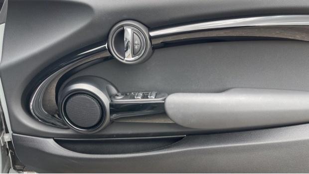 2020 MINI Cooper Sport (Grey) - Image: 20