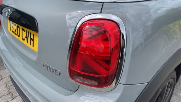 2020 MINI Cooper Sport (Grey) - Image: 22