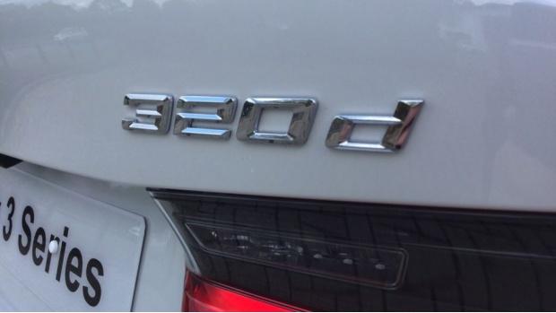 2021 BMW 320d M Sport Saloon (White) - Image: 24