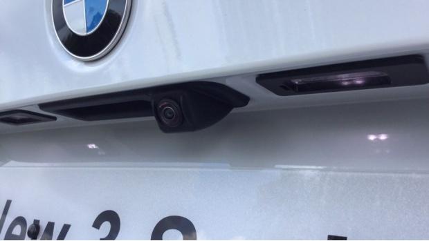 2021 BMW 320d M Sport Saloon (White) - Image: 25