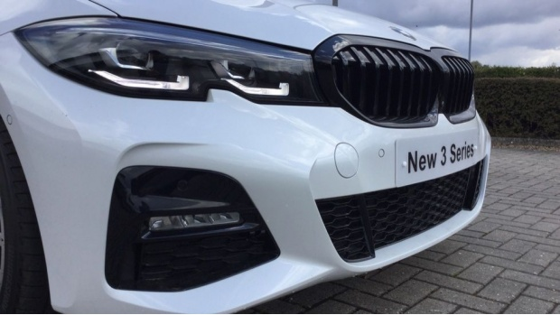 2021 BMW 320d M Sport Saloon (White) - Image: 29