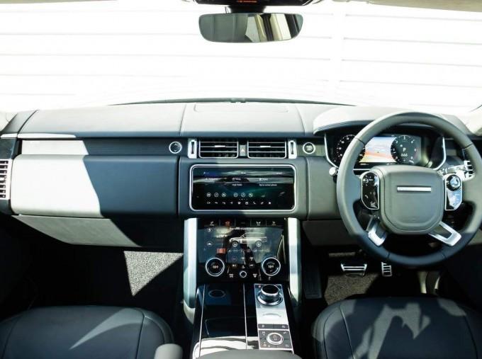 2021 Land Rover D300 MHEV Autobiography Auto 4WD 5-door (Grey) - Image: 9