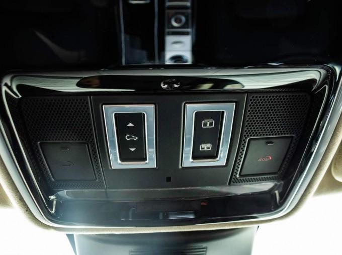 2021 Land Rover D300 MHEV Autobiography Auto 4WD 5-door (Grey) - Image: 17