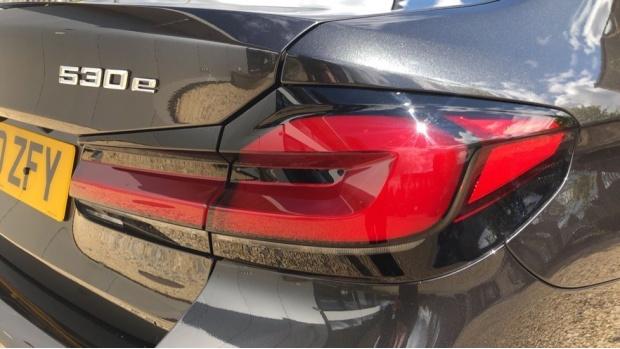 2021 BMW 530e M Sport Saloon (Grey) - Image: 21