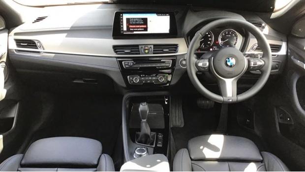 2021 BMW XDrive25e M Sport (Black) - Image: 4