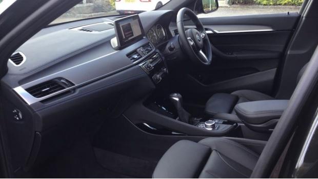 2021 BMW XDrive25e M Sport (Black) - Image: 7
