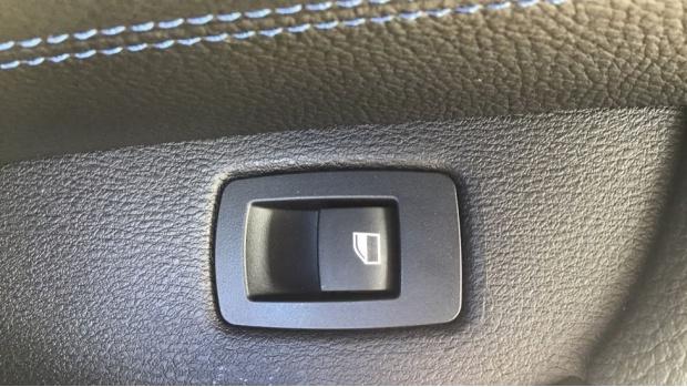 2021 BMW XDrive25e M Sport (Black) - Image: 26