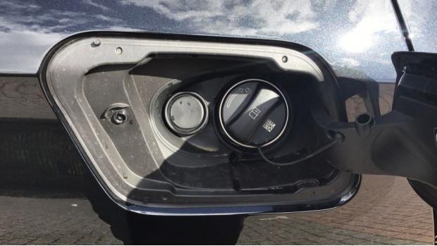 2021 BMW XDrive25e M Sport (Black) - Image: 30