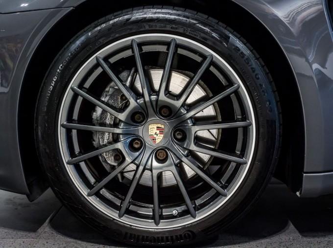 2014 Porsche TD V6 Tiptronic 5-door (Grey) - Image: 4