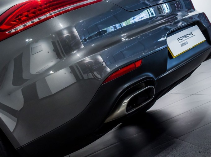 2014 Porsche TD V6 Tiptronic 5-door (Grey) - Image: 11