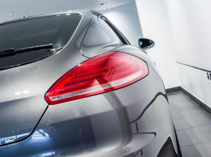 2014 Porsche TD V6 Tiptronic 5-door (Grey) - Image: 12