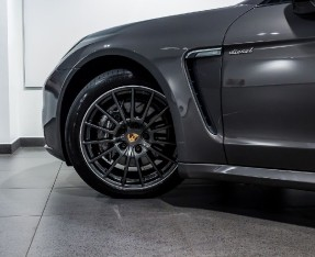 2014 Porsche TD V6 Tiptronic 5-door (Grey) - Image: 13