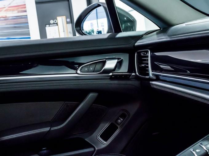 2014 Porsche TD V6 Tiptronic 5-door (Grey) - Image: 27