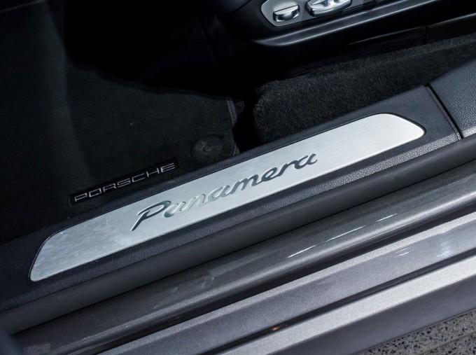 2014 Porsche TD V6 Tiptronic 5-door (Grey) - Image: 34