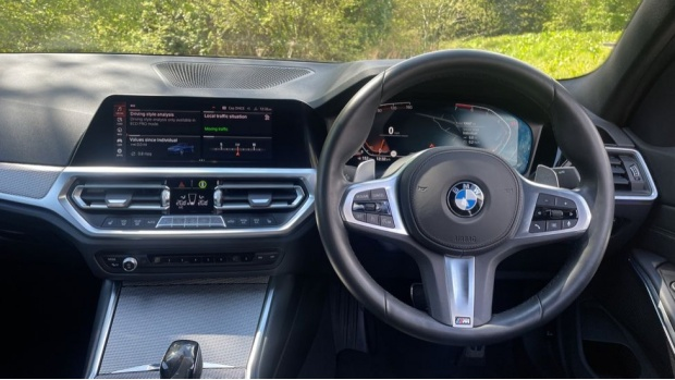 2019 BMW 320i M Sport Saloon (Blue) - Image: 5
