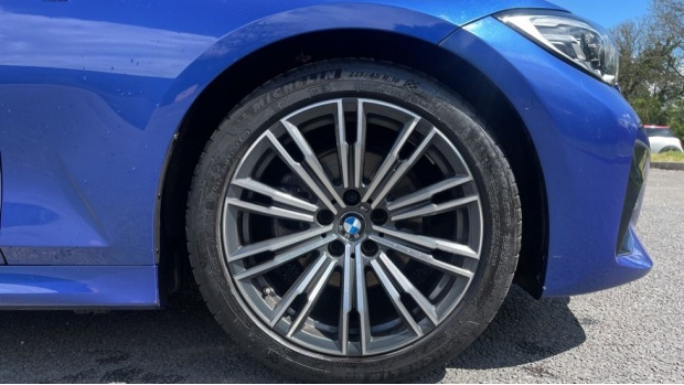 2019 BMW 320i M Sport Saloon (Blue) - Image: 14