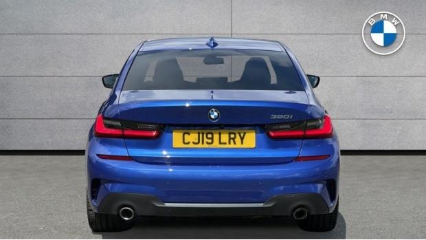 2019 BMW 320i M Sport Saloon (Blue) - Image: 15