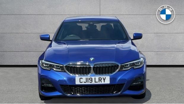 2019 BMW 320i M Sport Saloon (Blue) - Image: 16
