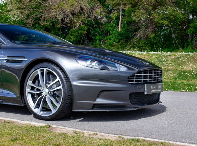 2009 Aston Martin V12 Touchtronic 2-door (Silver) - Image: 22