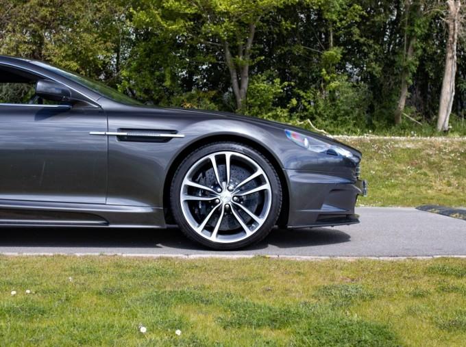2009 Aston Martin V12 Touchtronic 2-door (Silver) - Image: 23