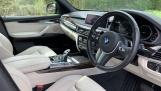 2018 BMW XDrive30d M Sport (Black) - Image: 6