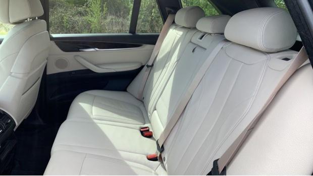 2018 BMW XDrive30d M Sport (Black) - Image: 12