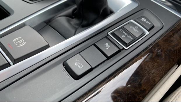 2018 BMW XDrive30d M Sport (Black) - Image: 19