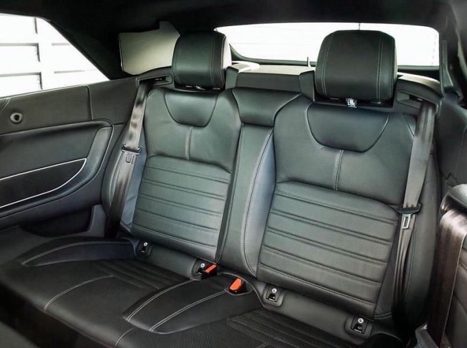 2018 Land Rover TD4 HSE Dynamic Auto 4WD 2-door (Grey) - Image: 4
