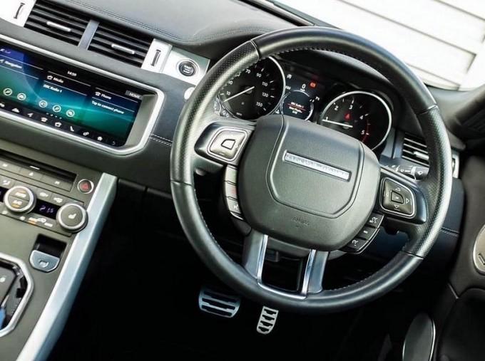 2018 Land Rover TD4 HSE Dynamic Auto 4WD 2-door (Grey) - Image: 10