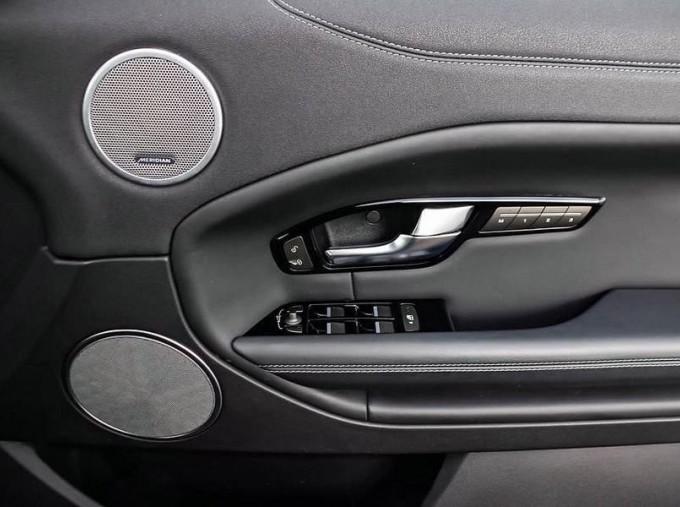 2018 Land Rover TD4 HSE Dynamic Auto 4WD 2-door (Grey) - Image: 14