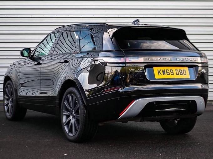 2019 Land Rover P250 R-Dynamic HSE Auto 4WD 5-door (Black) - Image: 2