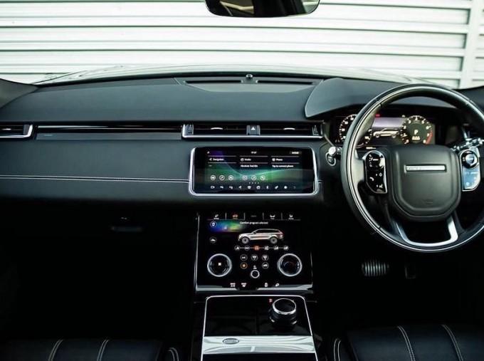 2019 Land Rover P250 R-Dynamic HSE Auto 4WD 5-door (Black) - Image: 9