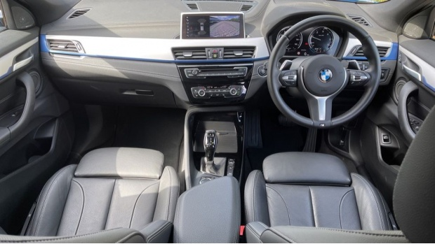 2019 BMW XDrive20d M Sport (Blue) - Image: 4