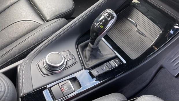 2019 BMW XDrive20d M Sport (Blue) - Image: 10